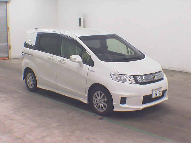 Купить Honda Mobilio Spike в Новосибирске