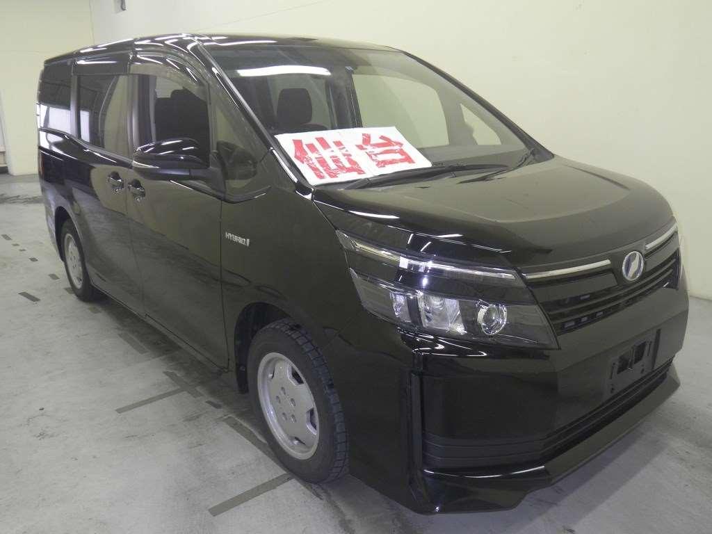 фото аукционника на авто из сингапура запрещаю тебе стареть