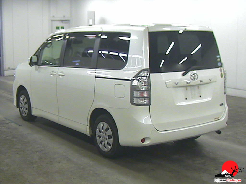 late mover advantage toyota Second-mover advantages in dynamic switches to a waiting game with a second-mover advantage in equilibrium rst-mover to late-mover advantages:.