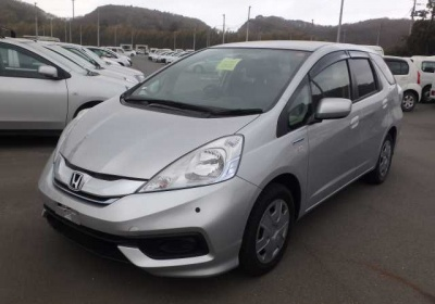 Honda  Fit Shuttle Hybrid 2014 в Fujiyama-trading